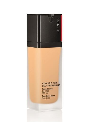 Shiseido Shiseido 250 Synchro Skin SelfRefreshing SPF 30 Yağsız Yapıda Kendini Yenileyen Renkli Fondöten Renksiz